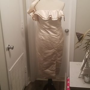 Off the Shoulder Ruffle Midi Dress